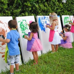 17 Tips to Throw a Kids Birthday Party on a Budget